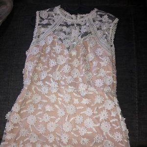 Sleeveless white/ nude lace dress